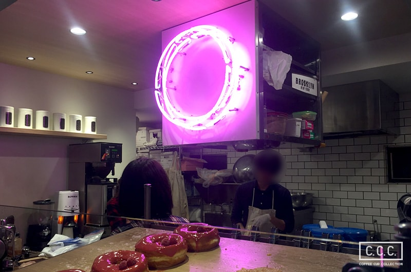 DUMBO Doughnuts and Coffeeの店内