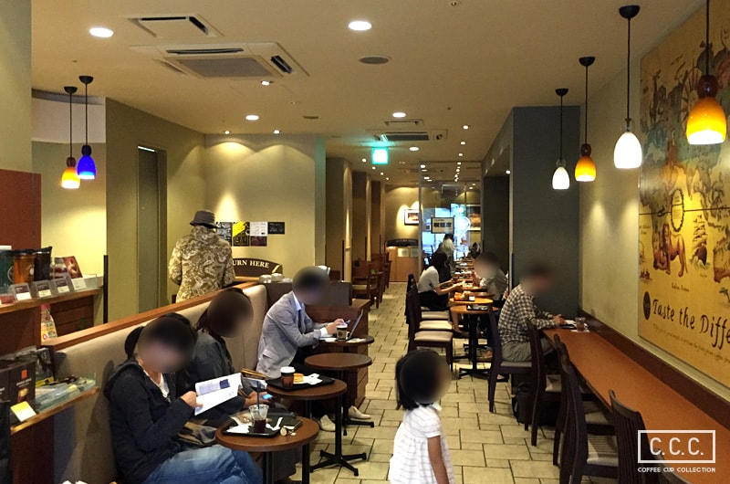 TULLY'S COFFEEの店内